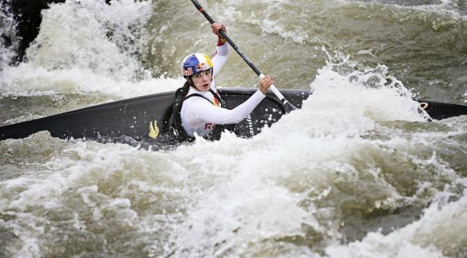 nouria-newman-championne-kayak-action